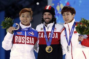 Viktor Ahn (vľavo) vybojoval pre Rusko tri medaily.