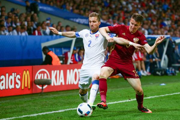 Peter Pekarík (vľavo) patrí k lídrom slovenskej futbalovej reprezentácie.