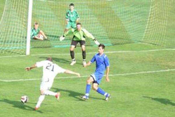 Prievidzskí futbalisti majú v poslednej dobe vychýlenú mušku, nedokážu sa gólovo presadiť ani pred súperovou bránou.