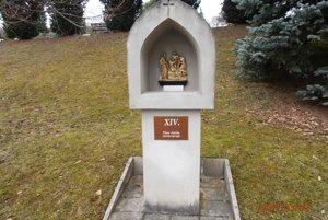 V Dolných Vesteniciach obnovili jednotlivé zastavenia krížovej cesty.