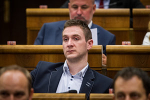 Poslanec ĽSNS Milan Uhrík.