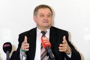 Predseda Nitrianskeho samosprávneho kraja Milan Belica sa bude uchádzať o znovuzvolenie.