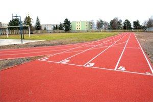 Takáto dráha to bude. V roku 2015 ju urobilo mesto na ZŠ Trebišovská, tento rok má pribudnúť i na ZŠ Krosnianska 2.