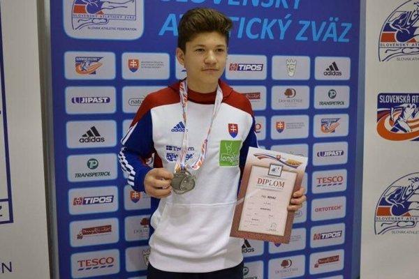 Filip Revaj drží slovenský rekord v hale v behu na 800 m.