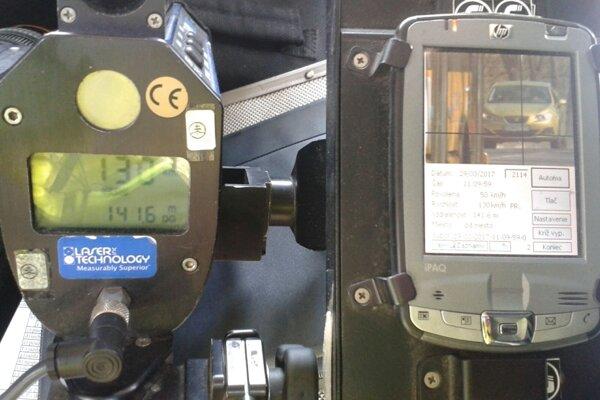 Laserový merač rýchlosti.