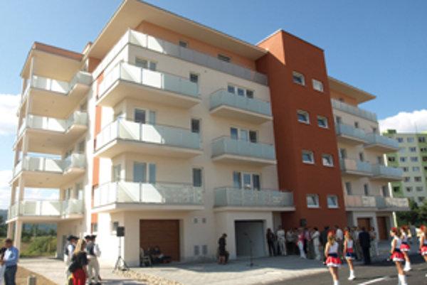 Súkromný investor bytovky postavil za niekoľko mesiacov.