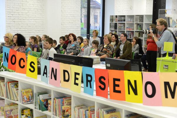 Noc s Andersenom organizuje aj Tekovská knižnica v Leviciach.
