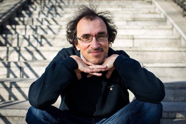 Matej Mináč je autorom filmov o Nicholasovi Wintonovi.