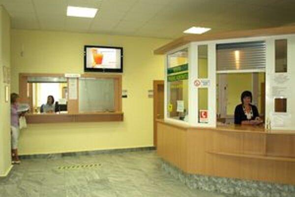 Miesto prvého kontaktu a pokladňa sú k dispozícii celý pracovný týždeň.
