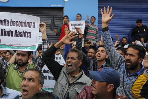 Protest proti príchodu premiéra Modiho.