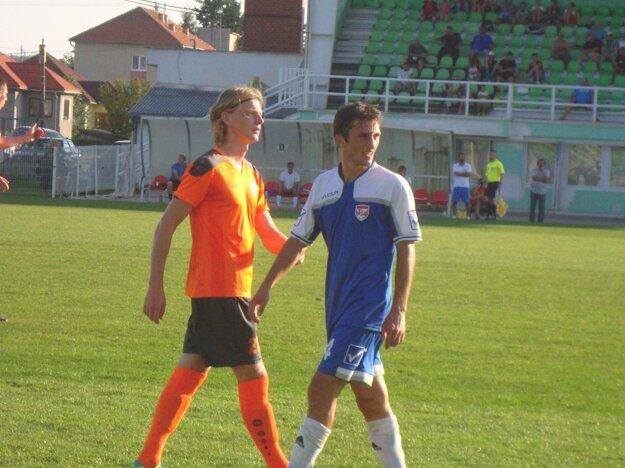 K výhre nad Haniskou prispel tiež Valeri Kuridze (vpravo).