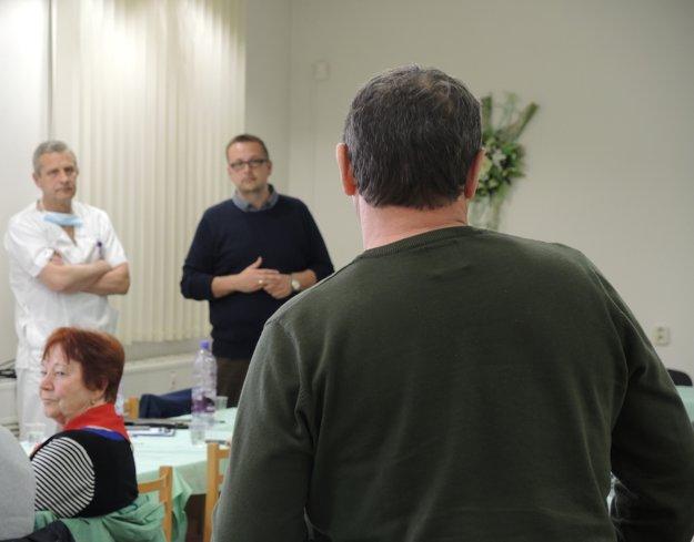 Účastníci semináru mohli pred vedením nemocnice vyjadriť názor na lekársku starostlivosť i pripomienky.