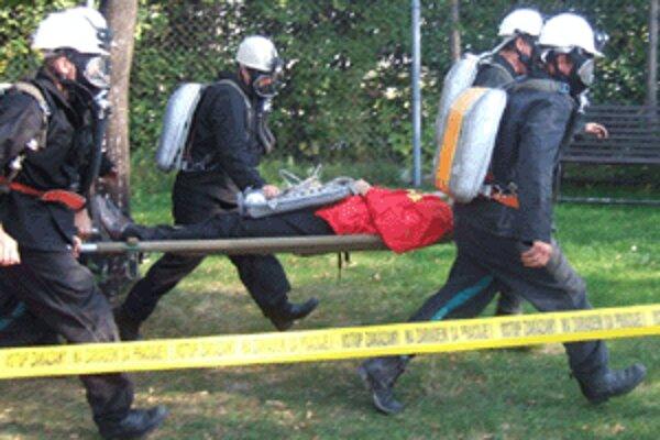 Praktické cvičenia pripravujú banských záchranárov na ostré zásahy.