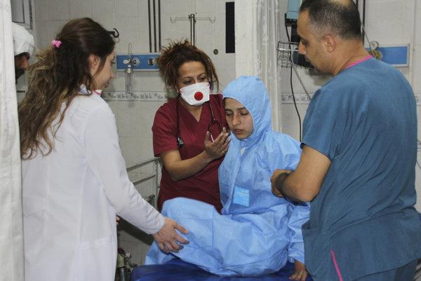 Civilistov v Sýrii zasiahol chemický útok.