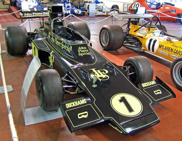Model Lotus 72, z ktorého čerpá inšpiráciu model Evora 410 GP Edition.