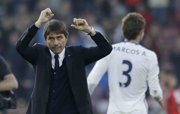 Tréner Chelsea Antonio Conte môže byť v tejto sezóne nadšený.