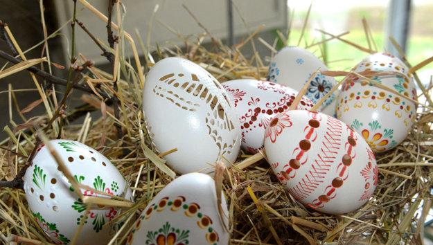 Kolektívna práca. Vajíčka manželov Kramaričovcov sú umelecké diela.