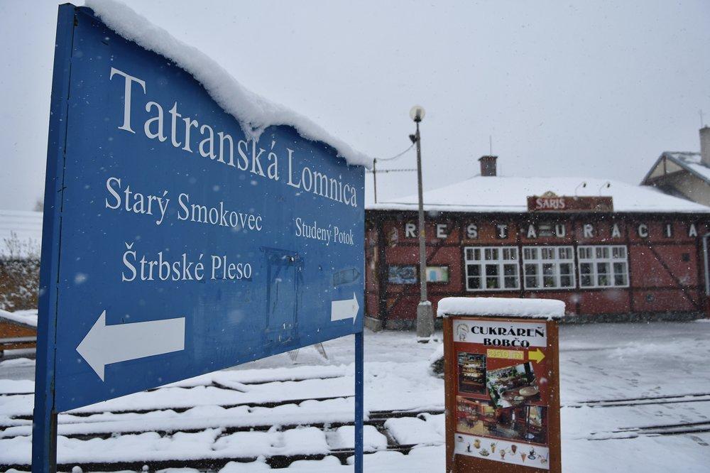 Sneh v Tatranskej Lomnici vo Vysokých Tatrách