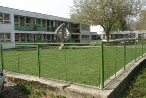 Škôlka na Ulici M. Mišíka. Mesto ju plánuje zrekonštruovať spolu so škôlkou na Ulici V. Clementisa.