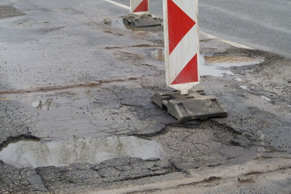 Kraj opraví cesty za 4,5 milióna eur.