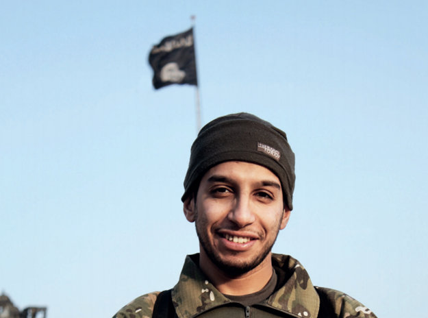Abdelhamid Abaaoud chystal útok na Paríž 13. novembra 2015.