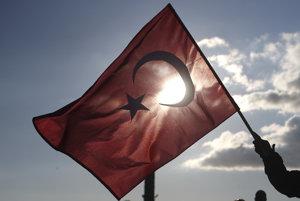 Eurokomisára znepokojuje Turecko, chce hovoriť o jeho členstve v EÚ