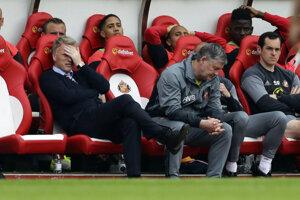 Anglická futbalová asociácia (FA) obvinila trénera AFC Sunderland Davida Moyesa za pozápasový incident s reportérkou BBC.