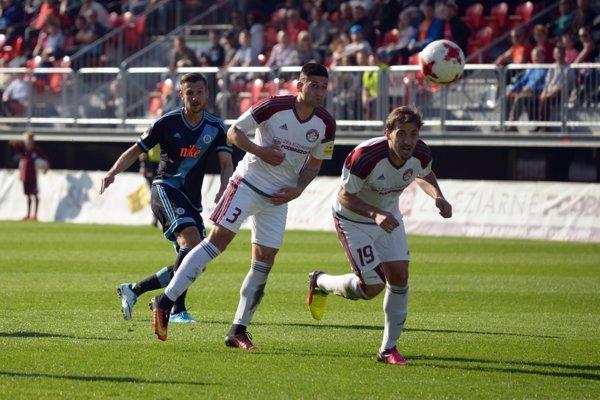 Marek Fabuľa, ktorý spolu s asistentom Miroslavom Guzom v utorok skončili pôsobenie vo futbalovom klube ŽP Šport Podbrezová, je sklamaný z odchodu.