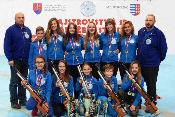 Strelci z Hôrok na súťaži v Brezne.