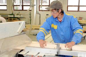Práca chýba stále menšiemu počtu ľudí v okrese Prievidza.