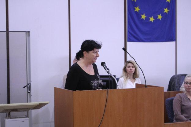 Podľa riaditeľky Beaty Lukáčovej ide o konanie za jej chrbtom.