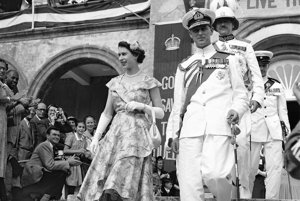 Na archívnej snímke 25. novembra 1953.