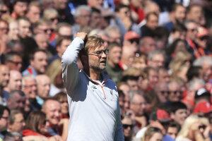 Tréner Liverpoolu Jürgen Klopp sa chytá za hlavu počas súboja so Southamptonom.