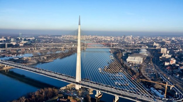 Ako v Brooklyne. Cez moderný most sa bežalo po prvý raz.