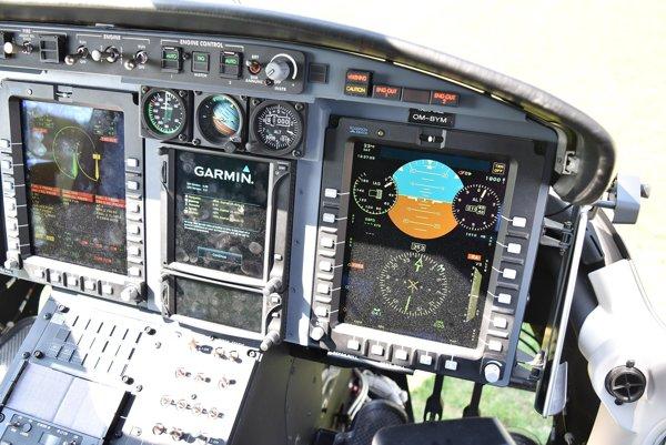 Kokpit havarovaného vrtuľníka