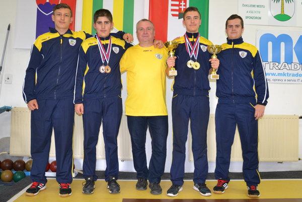Zľava: Daniel Mihali, Erik Gallo, Ladislav Flachbart, Viliam Mag a Patrik Pál.