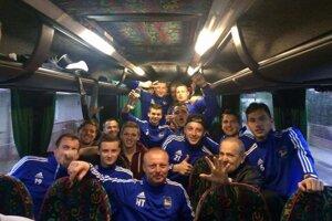 Víťazná radosť po zápase. (Foto: OŠK Bešeňová)