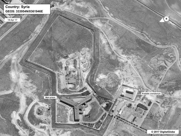 Komplex Sednaya. Vľavo hlavná väznica, vpravo údajné krematórium.