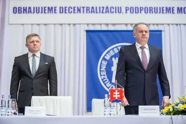 Predseda vlády SR Robert Fico a prezident SR Andrej Kiska počas 28. snemu Združenia miest a obcí Slovenska.