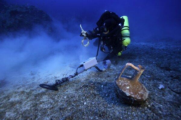 Ilustračná fotografia. Pri pobreží Mexika našli potápači dve železné kotvy, ktoré mohli patriť flotile španielskych dobyvateľov.
