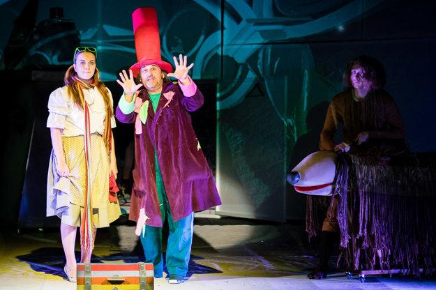 V najnovšej hre Starého divadla Čarodejník z krajiny Oz.