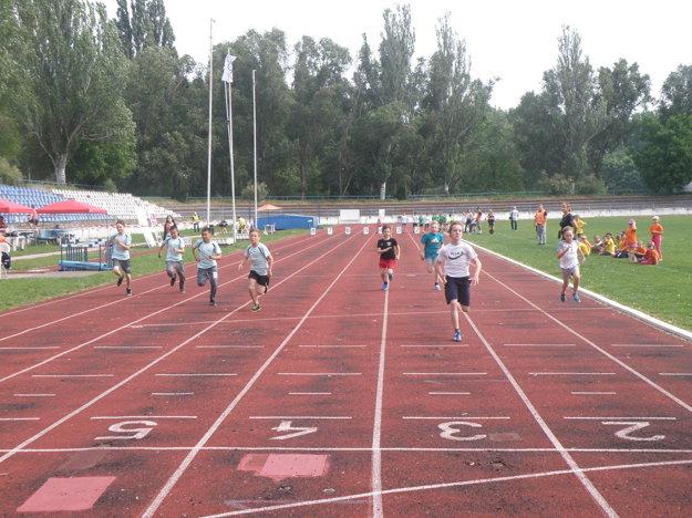Na štyridsaťmetrovej trati súťažili aj chlapci