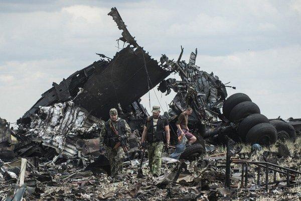 V zostrelenom lietadle Il-76 zahynulo 49 vojakov.