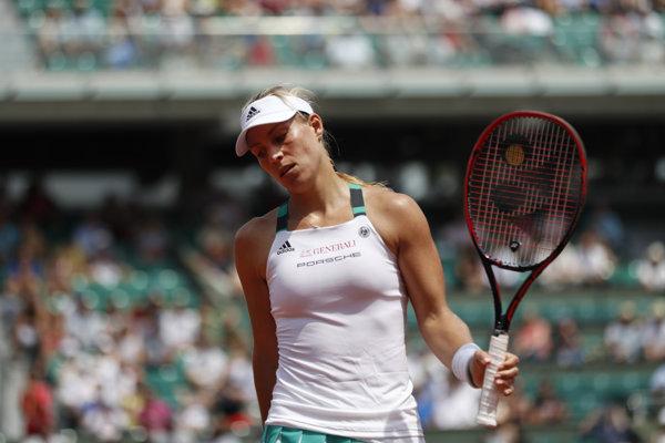 Nemecká tenistka Angelique Kerberová tretí týždeň v rade a 28. dovedna figuruje na čele svetového rebríčka tenistiek vo dvojhre.