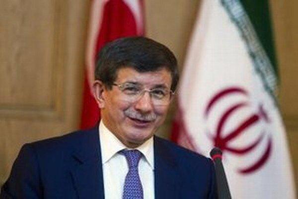Turecký minister zahraničia Ahmet Davutoglu.