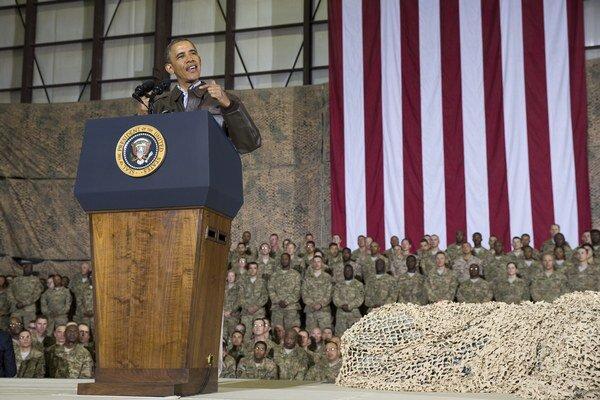 Obama sa prišiel neohlásene poďakovať americkým vojenským jednotkám, ktorým sa končí misia v Afganistane.