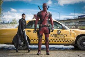 Brianna Hildebrand vo filme Deadpool.