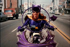 Batgirl Yvonne Craig v seriáli Batman, ktorý sa točil v roku 1966  až 1968.