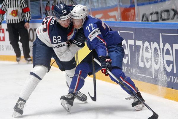 Košický odchovanec podpísal nováčikovský kontrakt sOttawou. Christián Jaroš (vľavo) verí, že si čoskoro za Senators vslávnej NHL skutočne aj zahrá.