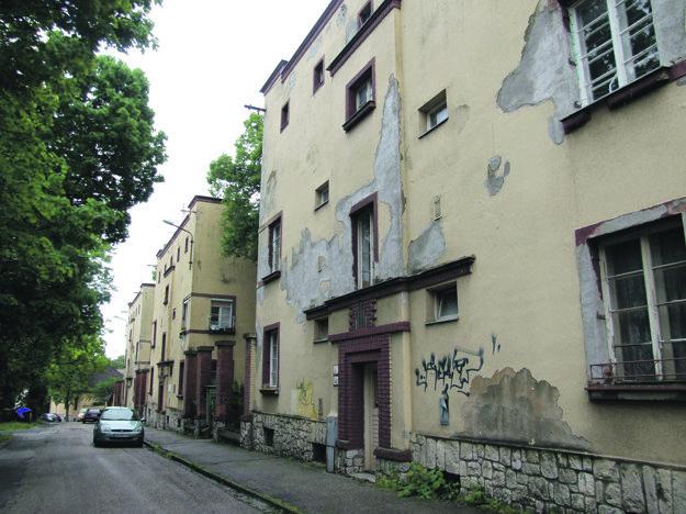 Súbor obytných domov je vyhlásený za kultúrnu pamiatku.